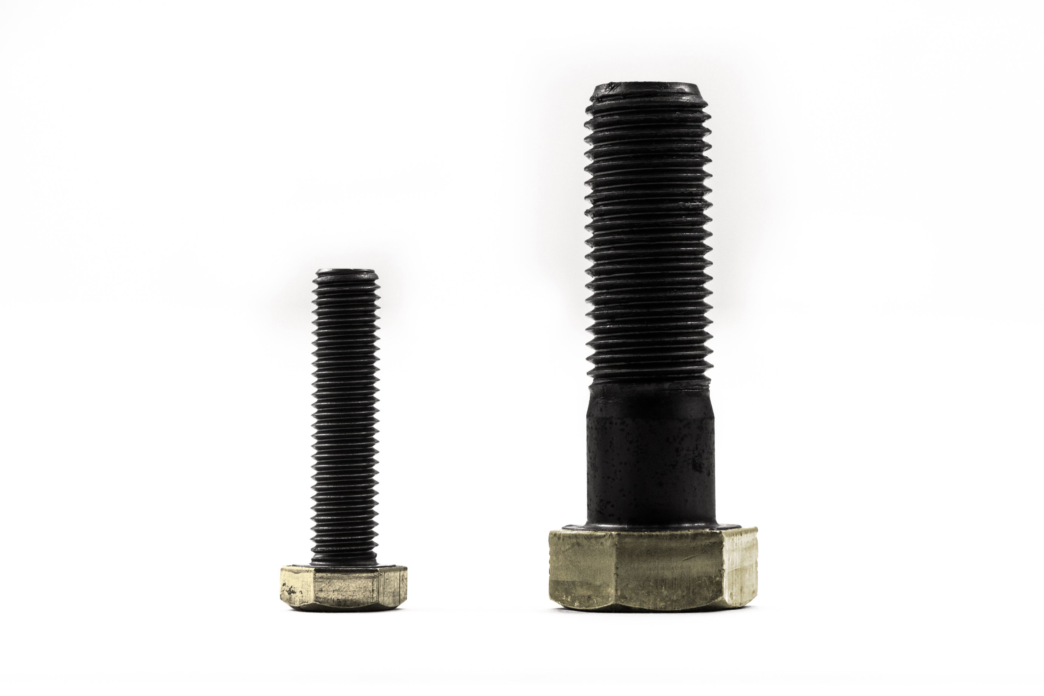 Graphene coating on screw